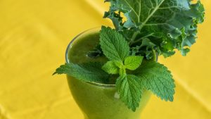 kale smoothie for glowing skin