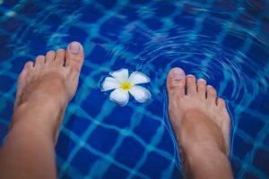 Treatment of cracked heels