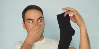 handy ways to protect and fight bad odor from feet and socks