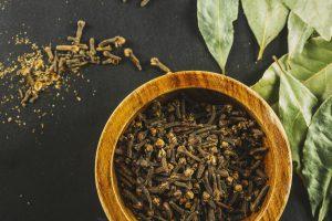 clove kills parasitic larvae/eggs and microscopic parasites natural remedies