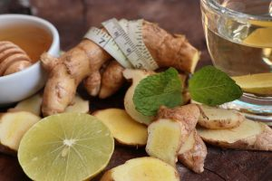 Ginger tea with honey and lemon for weight loss