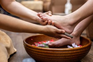 Special foot baths to remove hardened skin remove calluses easily