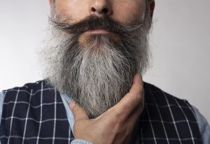 a powerful motor high speed electric shaver for the thick beard