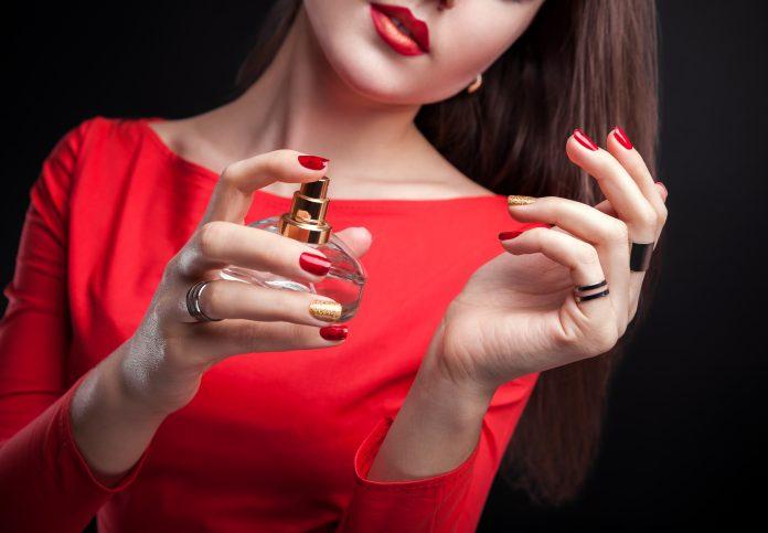 Make the aroma of perfume last longer