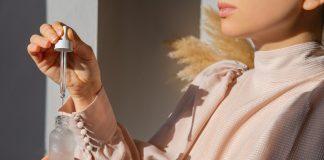 benefits of retinol in skincare, retinol in healthcare, cosmetic products containing retinol