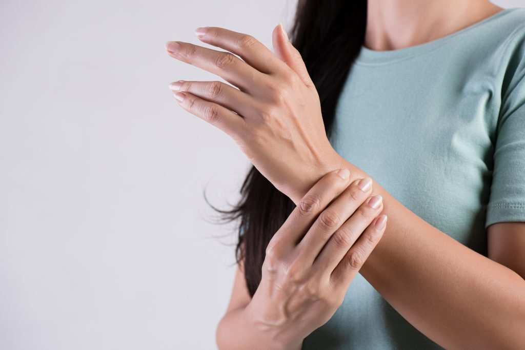 special point for massasge on wrist, overcome spikes in blood sugar, reduses intense hunger, speed up metabolism